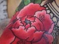 Тату огромная красная роза
