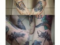 Татуировка большой муравей возле стопы