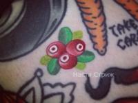 Татуировка ягоды
