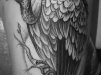Татуировка индейка на бедре