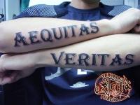 Татуировка надпись на предплечьях