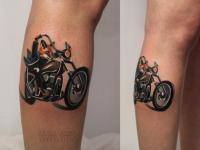 Татуировка байк на голеностопе