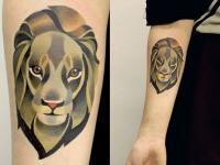 Татуировка лев на предплечье