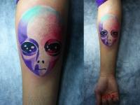 Татуировка инопланетянин на предплечье