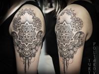 Татуировка орнамента на плече