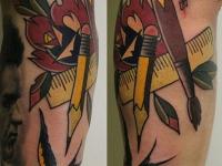 Татуировка роза, ласточка и кисть