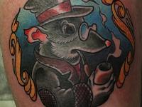 Татуировка крыса с трубкой