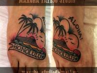 Татуировка пейзаж с пальмами на ступне
