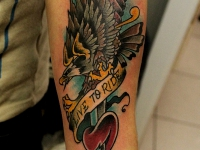 Татуировка орел и кинжал в сердце