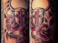 Татуировка доспехи и роза