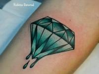Татуировка бриллиант