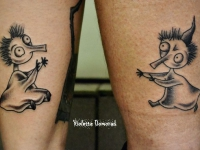 Татуировка лунатики на икрах