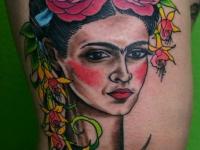 Татуировка девушка с венком