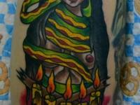 Татуировка девушка и змея