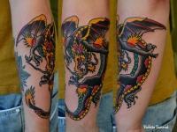 Татуировка китайский дракон на предплечье