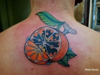 Механический апельсин - татушка на спине