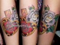 Татуировка розы и сердце