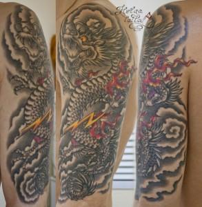 татуировка дракон. япония ориентальная тату на плече черно-белая татуировка