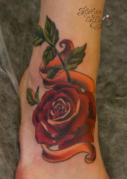 old school tattoo тату на ноге розы и ленты