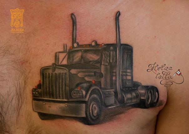 черно-белая татуировка татуировка тату салон татуировщики тату мастер  тату студия Maruha