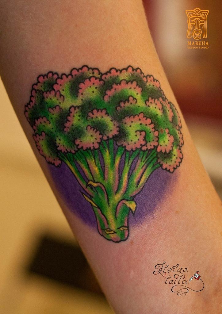 олд скул тату neo traditional tattoo капуста vegan на руке цветная женская вегетарианская татуировка