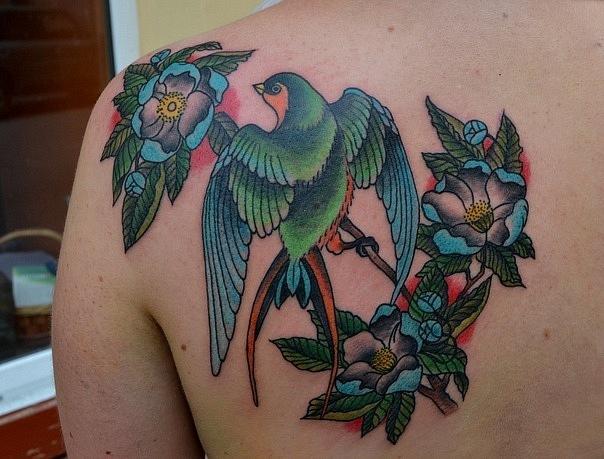 Татуировка выполнена на спине. По эскизу T. HOYER. Время работы около 5 часов. Стилистика: олд скул, традишнл,традиционная татуировка, Traditional / Old school tattoo. Tags: Художественная татуировка, тату, tattoo, цветная татуировка, студия татуировки Маруха, Maruha studio, татуировка на спине.