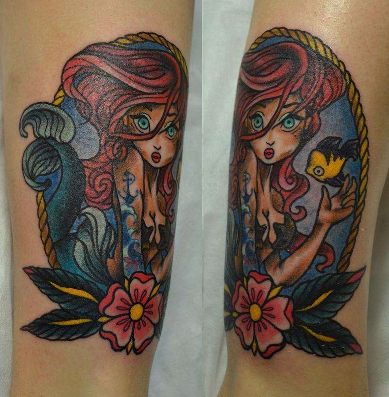 Татуировка выполнена на ноге, над щиколоткой. Эскиз из инета с изменениями. Время работы 3,5 ч. Traditional / Old school tattoo.