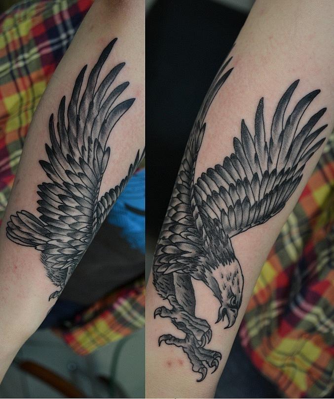 Татуировка выполнена на предплечье, время работы около 2х - 2,5 часов. Чёрно-белая татуировка. Мастер Виолетта Доморад