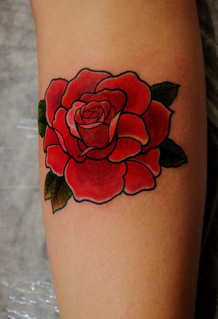 """Художественная татуировка """"Роза"""". Мастер Александр."""
