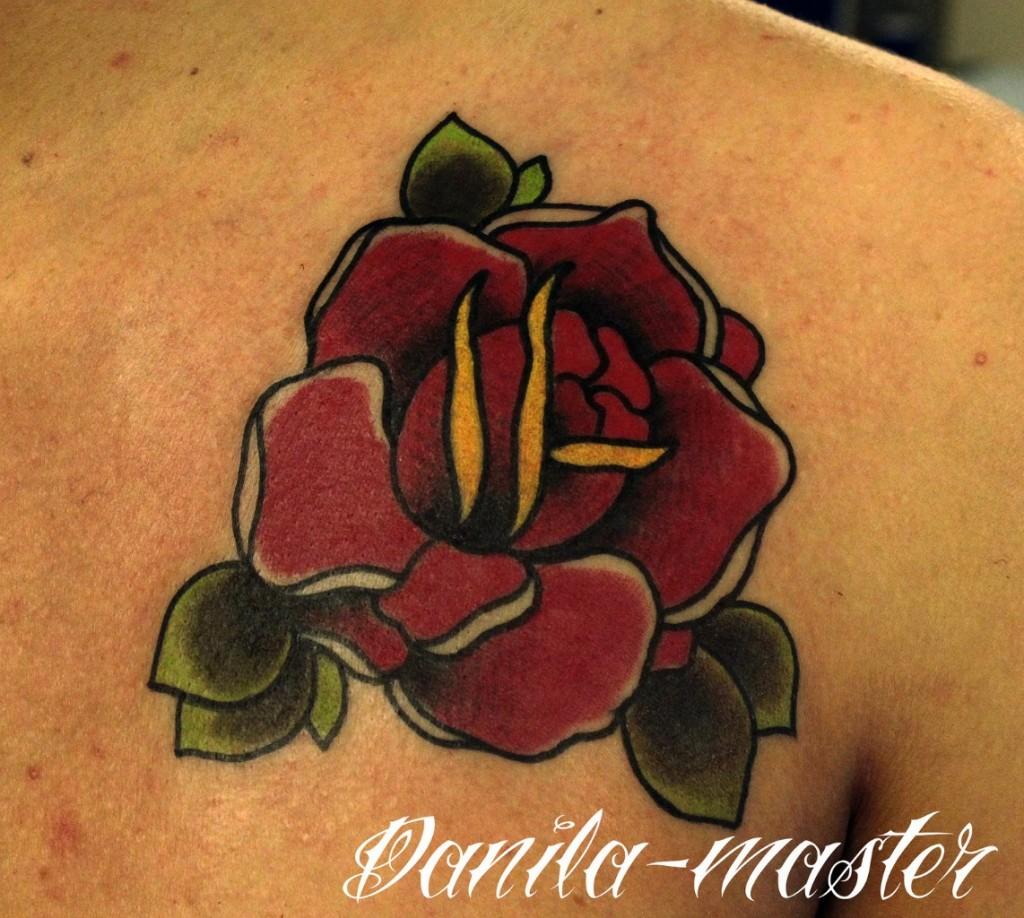 Художественная татуировка Роза. Данила - мастер