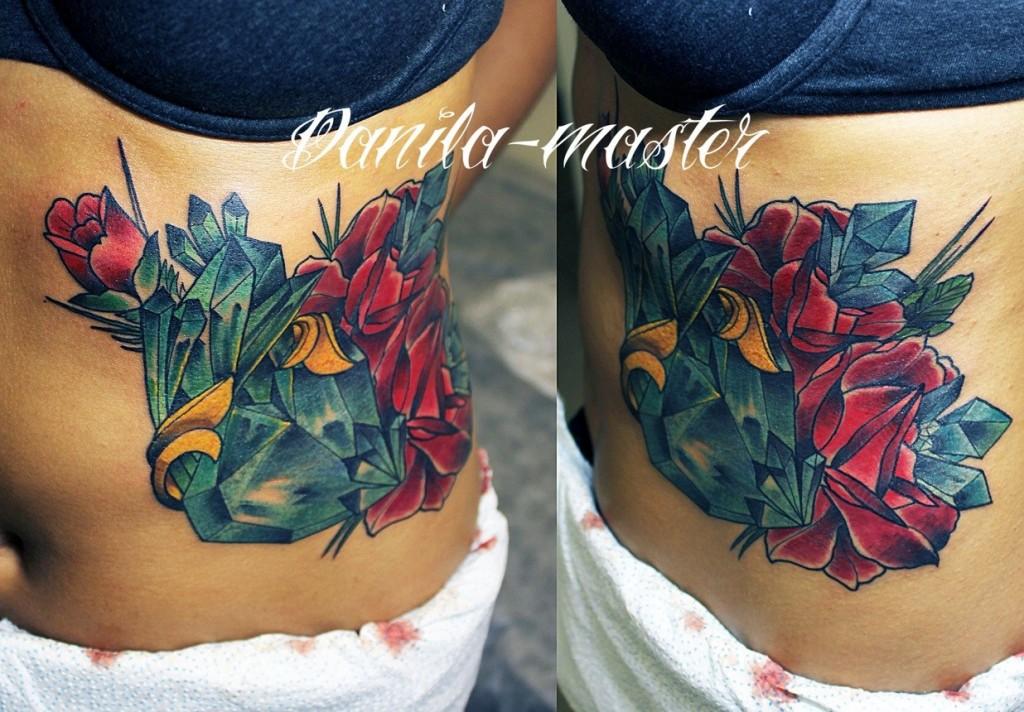 Художественная татуировка Розы с кристаллами. Данила- мастер.