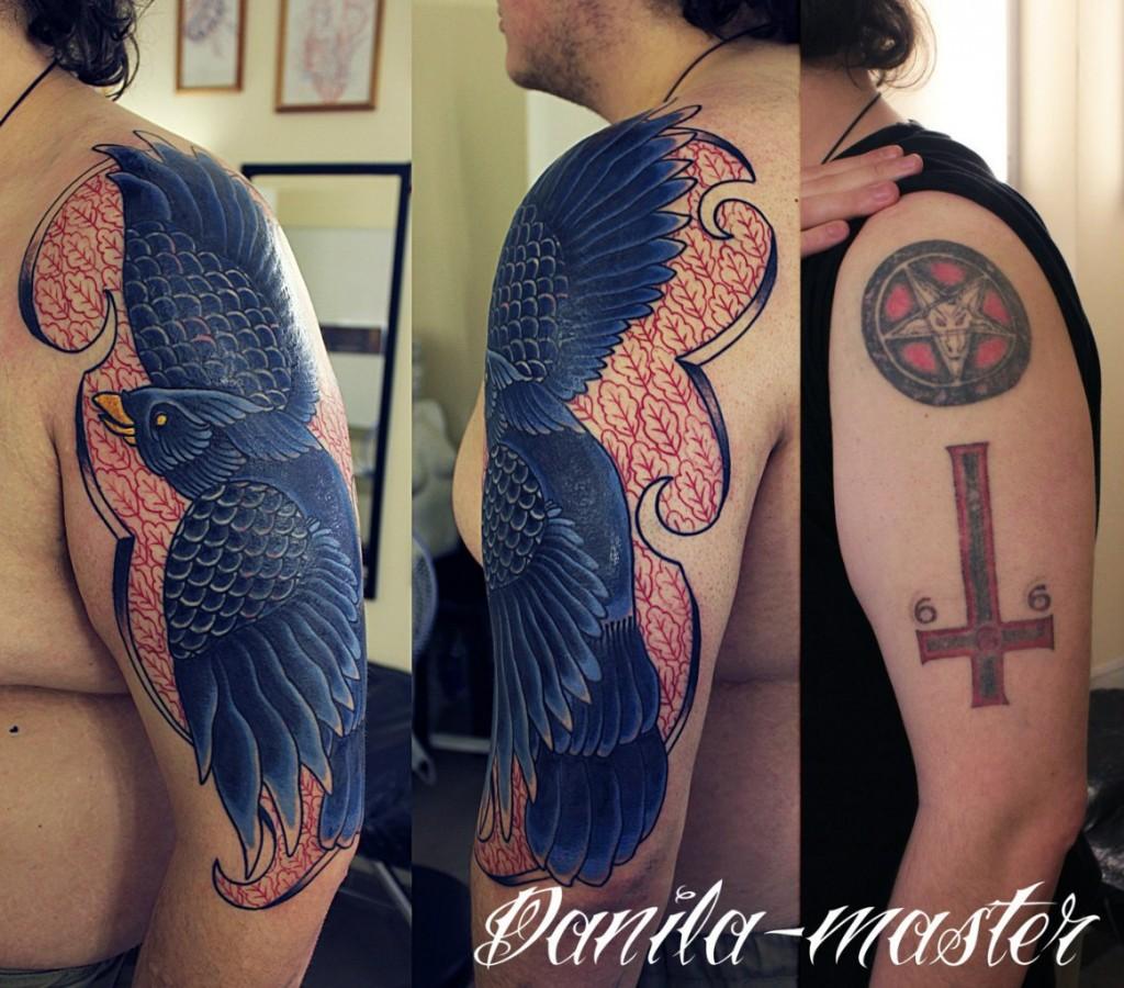 Художественная татуировка Ворон. Данила - мастер.