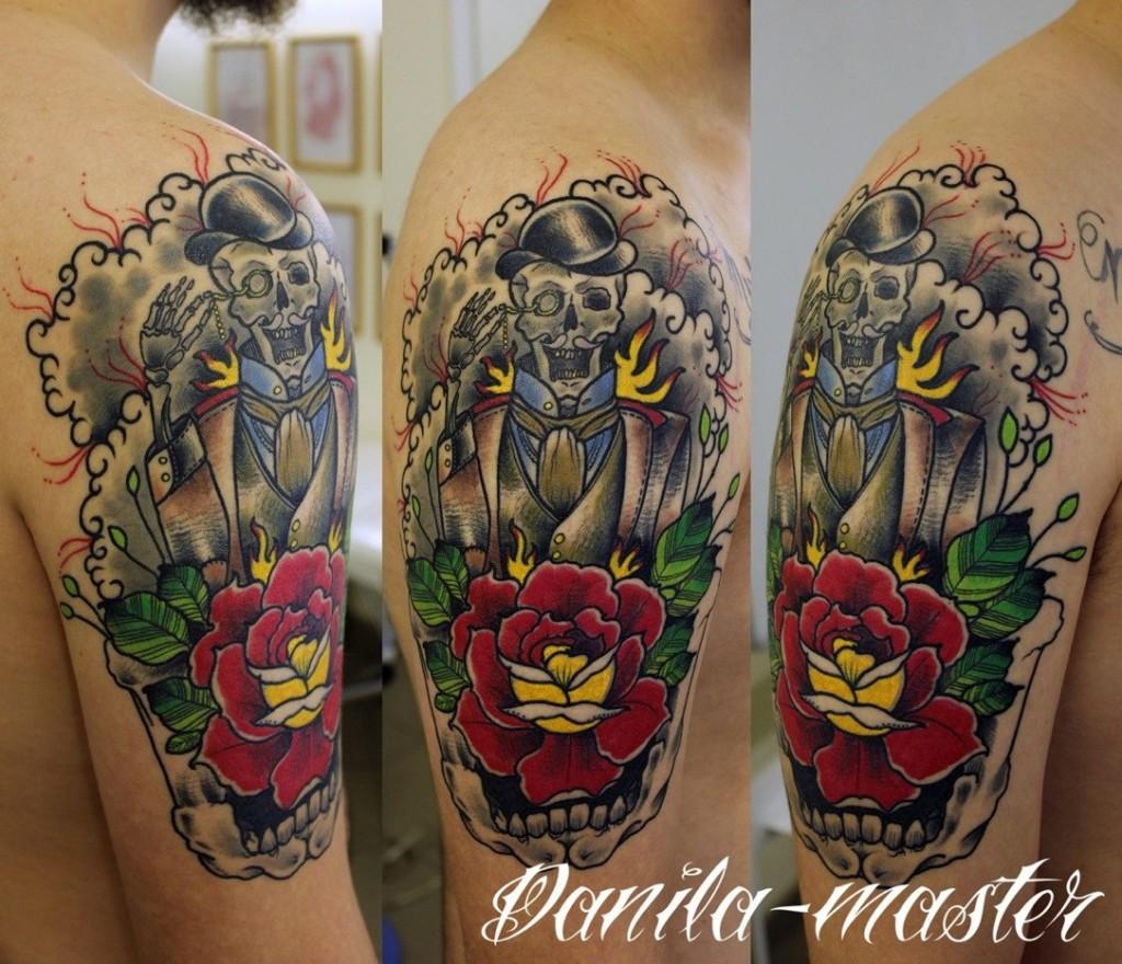 Традиционная художественная татуировка Скелет с моноклем. Данила - мастер.