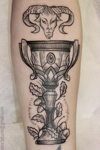Художественная татуировка кубок. Мастер Александра Табунс