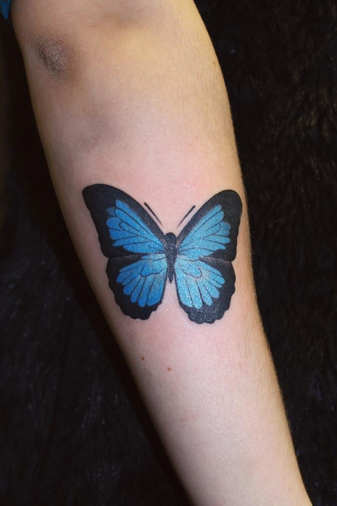 Художественная татуировка «Бабочка». Мастер Павел Заволока.