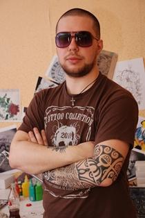 Артемий - мастер тату-студии Maruha