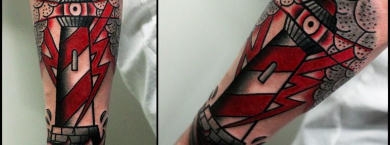 Художественная татуировка «Маяк». Мастер Денис Марахин.