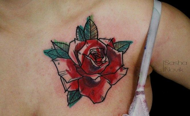 Художественная татуировка «Роза». Мастер Саша Новик. Расположение: грудь.