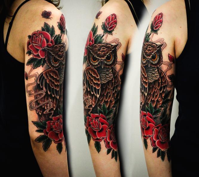 Художественная татуировка «Сова с розами». Мастер Денис Марахин.