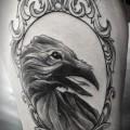 """Художественная татуировка """"Ворон в зеркале"""".Мастер Александра Табунс."""