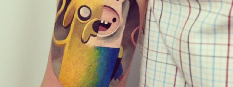 Художественная татуировка по мотивам мультфильма «Adventure Time». Мастер Саша Unisex.