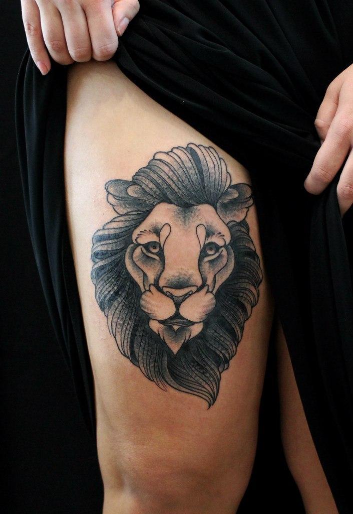 Художественная татуировка «Лев». Мастер Саша Новик.