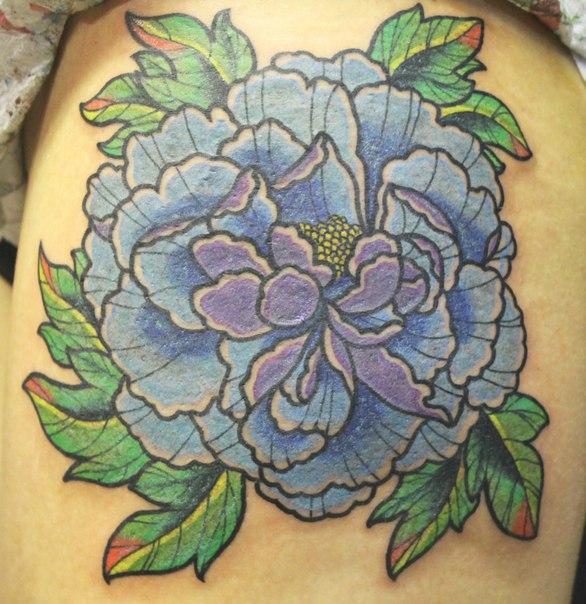 Художественная татуировка «Пион» от Андрея Бойцева