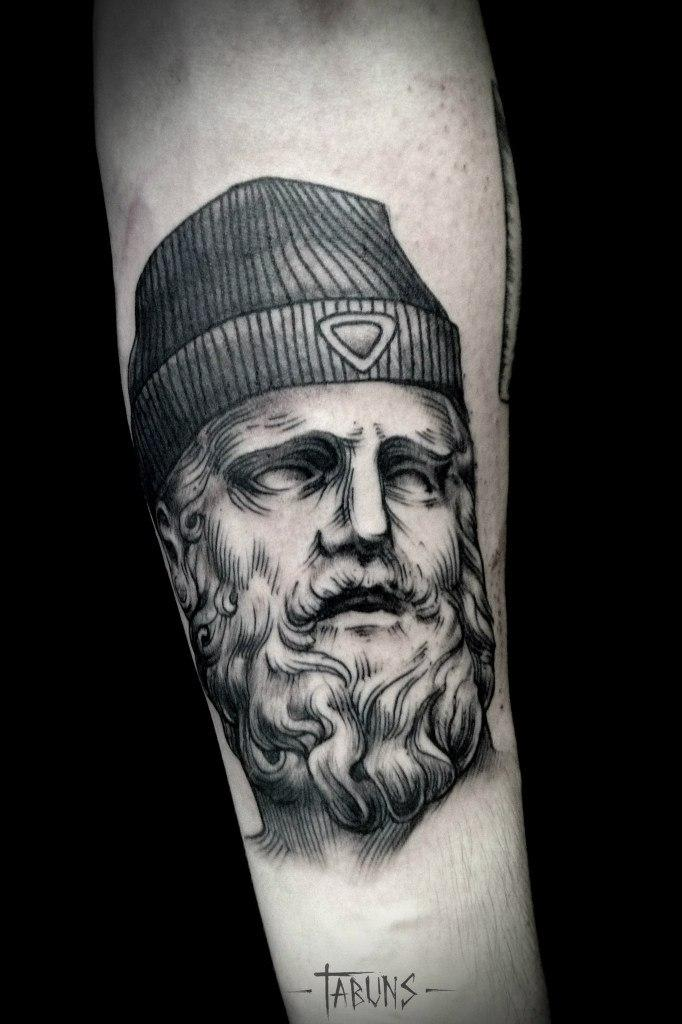 Художественная татуировка «Красавец мужчина». Мастер Александра Табунс.