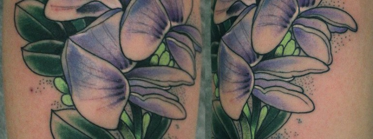 Художественная татуировка «Цветы» от Данилы-мастера.