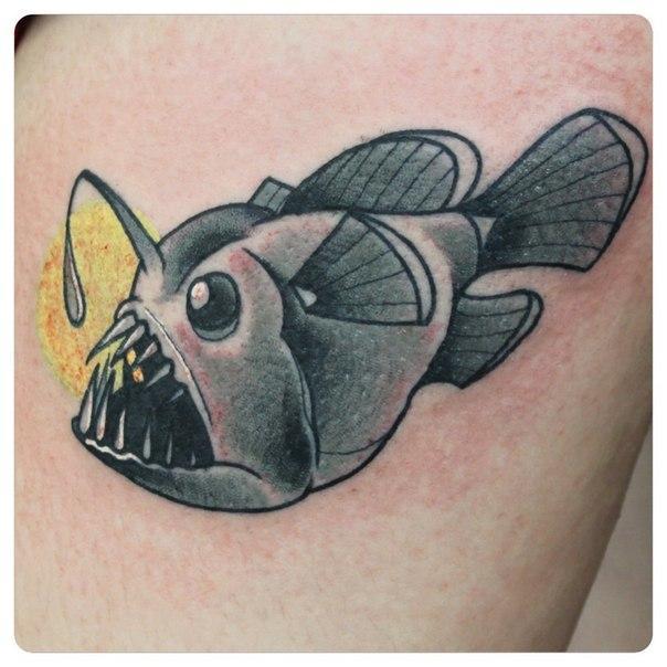 Художественная татуировка «Рыба». Мастер Саша Новик.