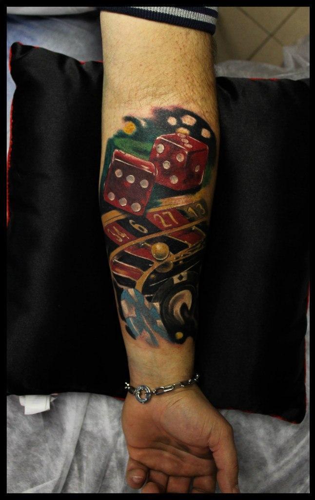 Художественная татуировка «Кости» от Сергея Хоррора.