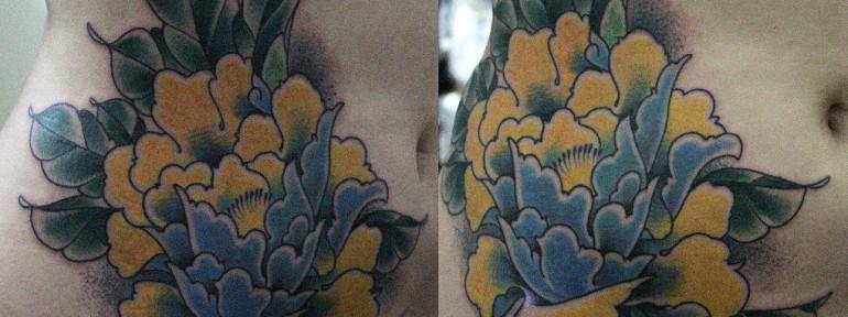 Художественная татуировка «Пион» от Данилы-Мастера.