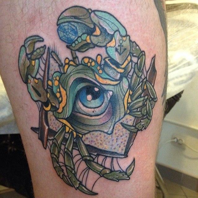 Художественная татуировка «Краб» от мастера Александра Соды Николаева.