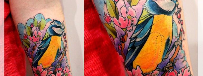 Художественная татуировка «Синица». Мастер Катя Луч.